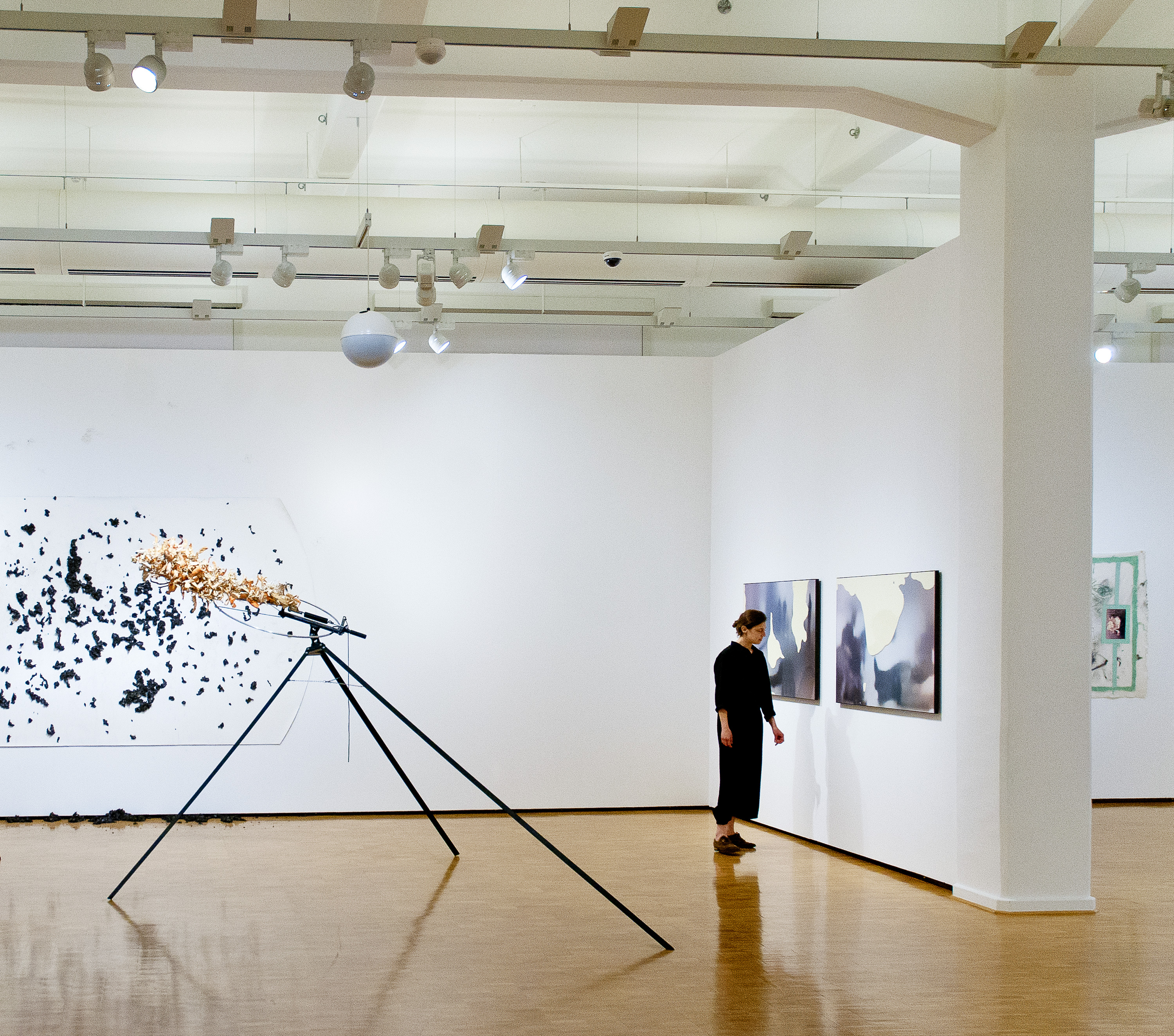 Moskau I & II: Installation view at Kunsthalle der Sparkasse Leipzig together with Renan Ran Harari (left side) in 2014